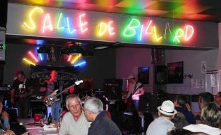 2015 Concert Gathering Crowd Beaujolais -6-